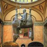 Святой Вацлав на висящем коне.
