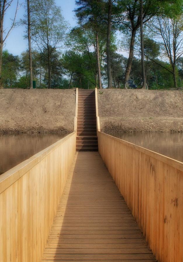 Пешеходный мост Моисея В Голландии