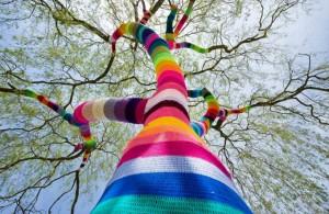 Украшение улиц Urban Knitting