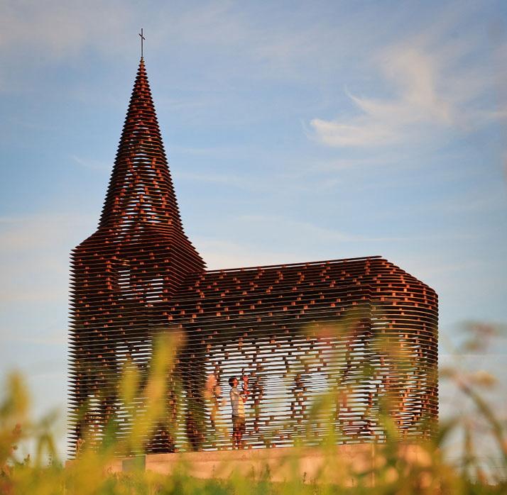 Прозрачная церковь