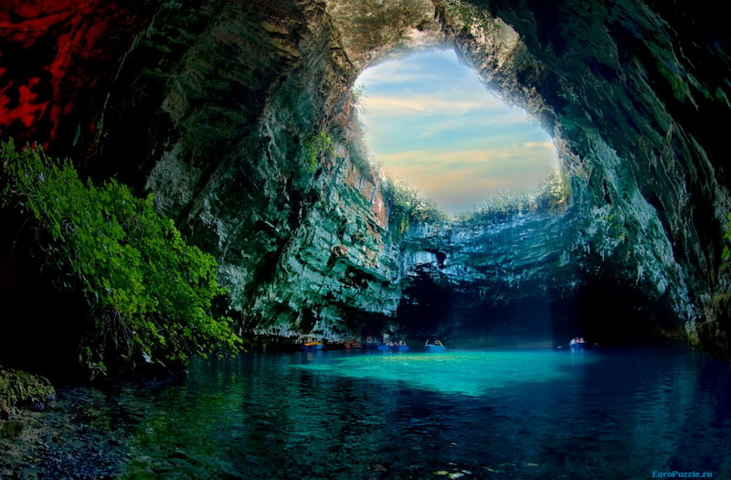 Подземное озеро на острове Кефалония