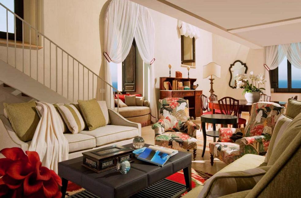 Роскошный отель Monastero Santa Rosa парящий над пропастью